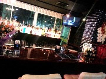 ガールズバー・Bar Fizz
