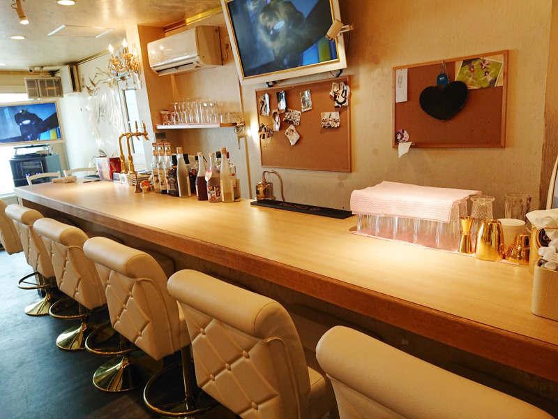 ガールズバー・メイドcafe&bar HOLiC×HOLiC(ホリックホリック)