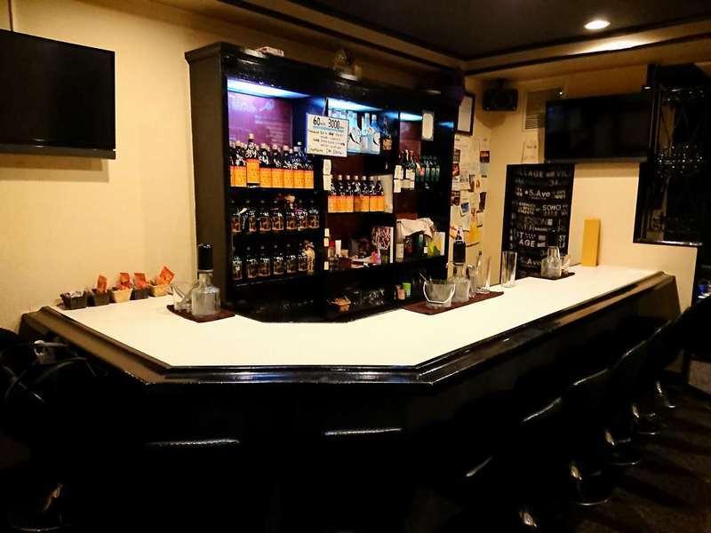 ガールズバー・Bar I''s(バーアイズ)