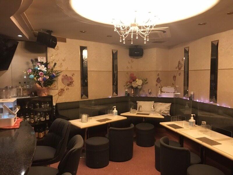 ガルバ・コンカフェ・Lounge MOE